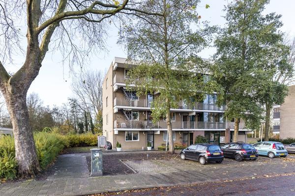 Weegbreestraat 44 in Nieuw-Vennep 2153 ED
