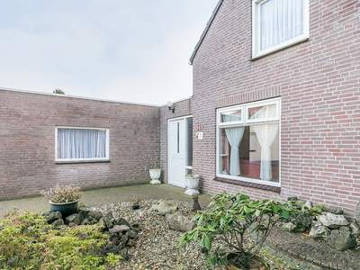 Bremstraat 103 in St. Willebrord 4711 CG