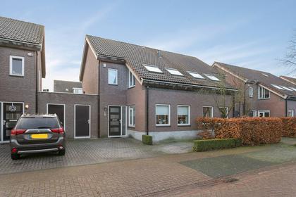 Lijsbeth Van Villeynstraat 9 in Helmond 5706 MJ