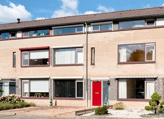 De Kreijenbeek 221 in Valkenswaard 5553 BE