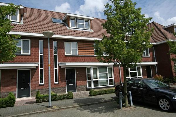 Rodelindalaan 53 in Nieuw-Vennep 2152 PN