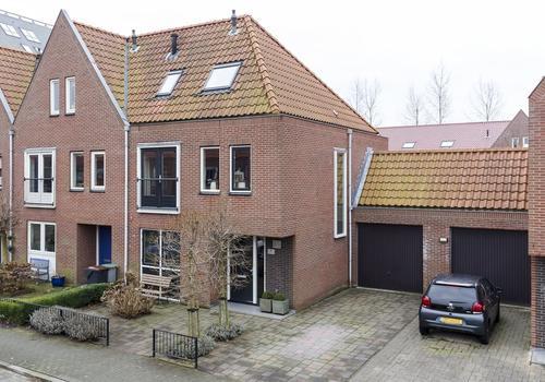 Fedoralaan 25 in Nieuw-Vennep 2152 DE