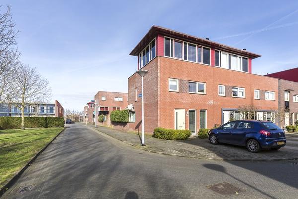 Dijkpoort 35 in Nieuw-Vennep 2152 ER
