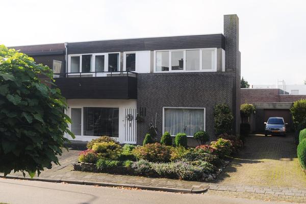 Pastoor Halmansstraat 3 in Ulestraten 6235 EE