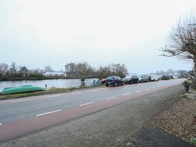 Leimuiderdijk 10 in Rijsenhout 1435 CP
