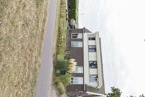 Venneperweg 144 in Nieuw-Vennep 2153 MA