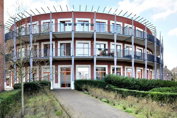 Dorpsstraat 93 in Nootdorp 2631 BW