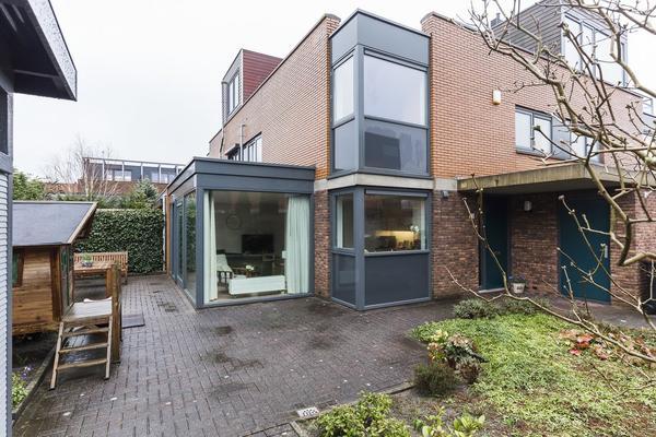 Loenerveld 42 in Nieuw-Vennep 2151 JL