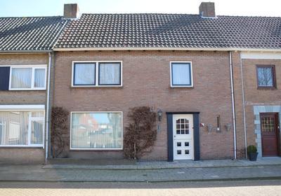 Oranjeplein 14 in Zundert 4881 GJ