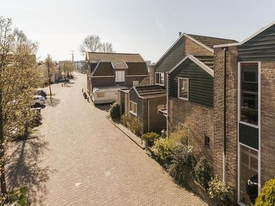 Oostzijde 397 in Zaandam 1508 ER