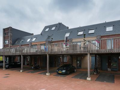 Olijfhout 12 in Barendrecht 2994 HV