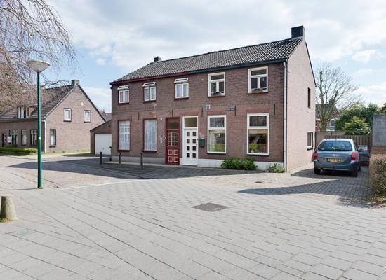 Kerkstraat 18 in Bergeijk 5571 CK
