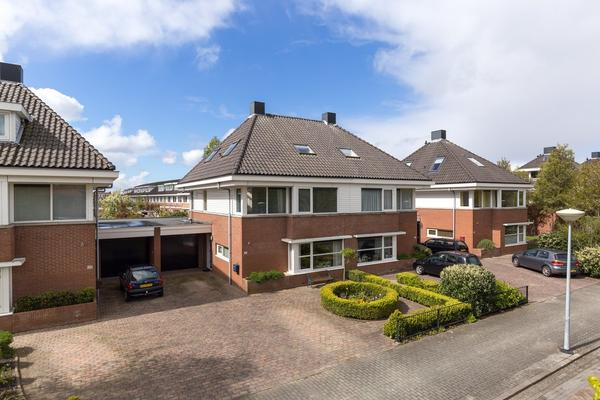 Laan Van Berlioz 27 in Nieuw-Vennep 2151 GN