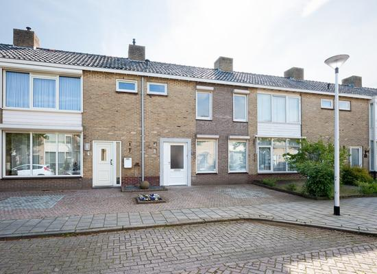 Hubert Van Nispenstraat 22 in Valkenswaard 5554 SP