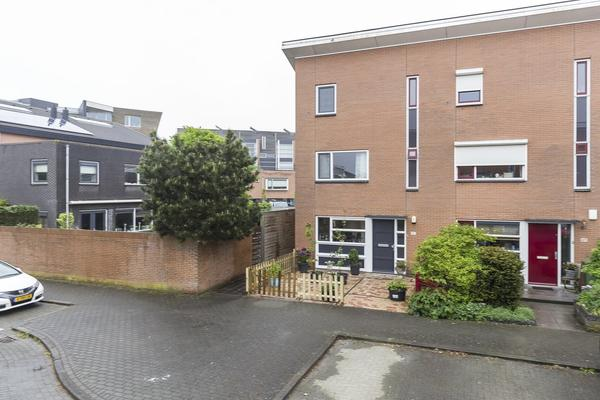 Swaenstein 51 in Nieuw-Vennep 2151 HG