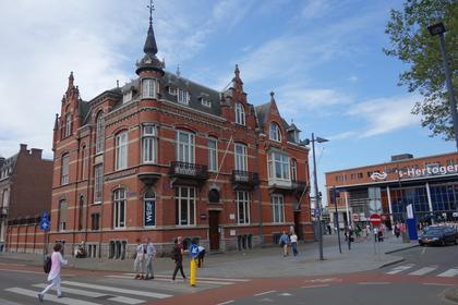 Stationsplein 4 in 'S-Hertogenbosch 5211 AP