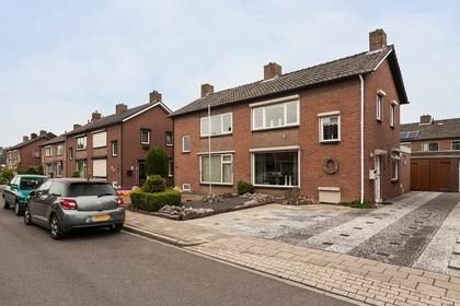 Prins Bernhardstraat 22 in Angeren 6687 AZ