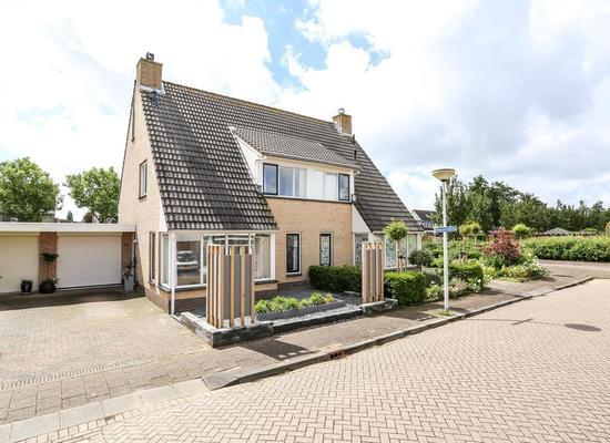Baron Van Leydenstraat 52 in Hellevoetsluis 3223 HB