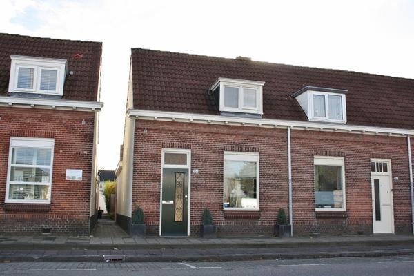 Spoorstraat 164 in Roosendaal 4702 VP