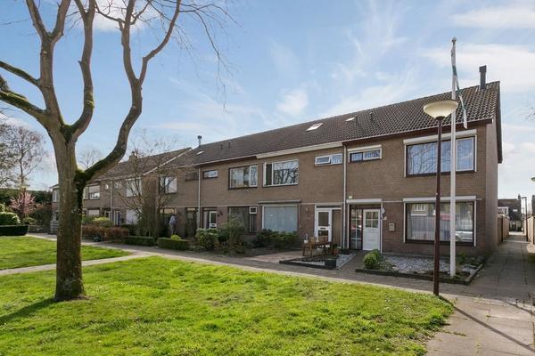 Spuilaan 342 in Oudenbosch 4731 NP