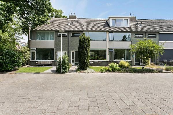 Does 3 in Zwolle 8032 AH