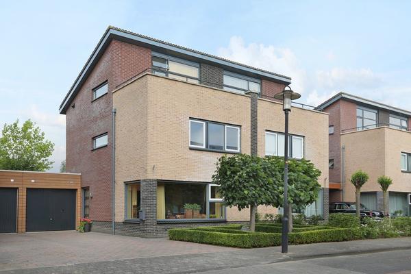 Dr. F.W. Klaarenbeeksingel 9 in Hoevelaken 3871 XA