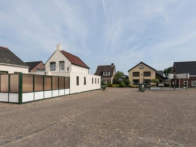 Bremstraat 12 in St. Willebrord 4711 CH