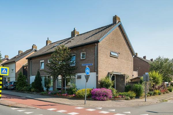 Binnenlandse Baan 64 in Barendrecht 2991 EB