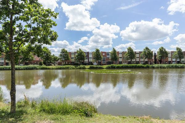 Vivaldisingel 137 in Nieuw-Vennep 2151 GP