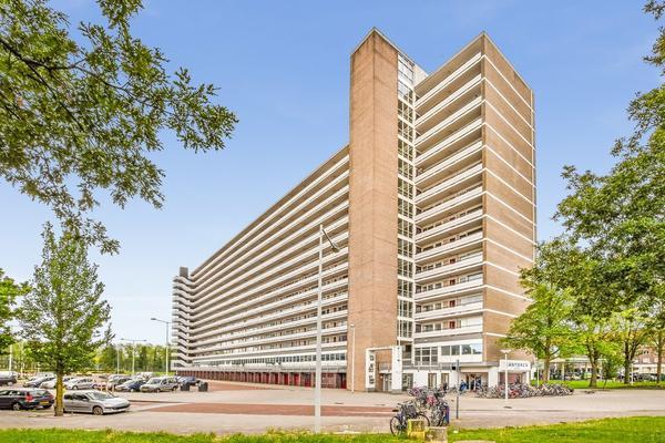 Burgemeester Hogguerstraat 975 in Amsterdam 1064 EE