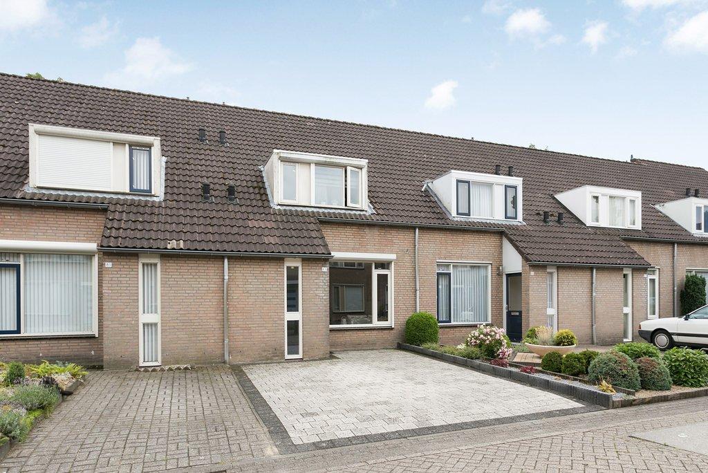 Elfenbank 83 in Asten 5721 NM: Woonhuis. - Beter Wonen makelaardij ...