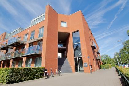 Dichtershof 42 in Weesp 1382 DH