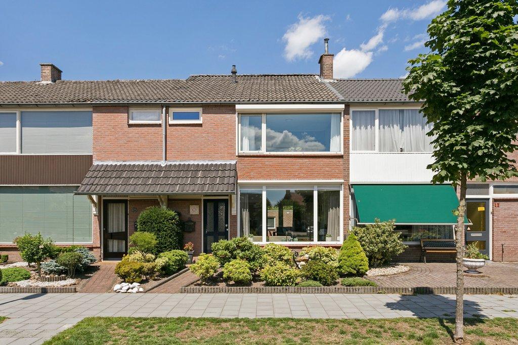 Molenplein 16 in Asten 5721 XJ: Woonhuis. - Beter Wonen makelaardij ...