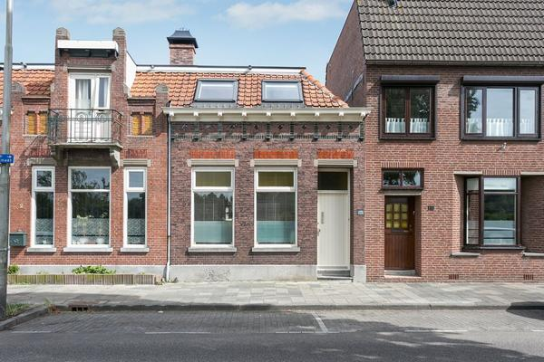 Spoorstraat 120 in Roosendaal 4702 VM