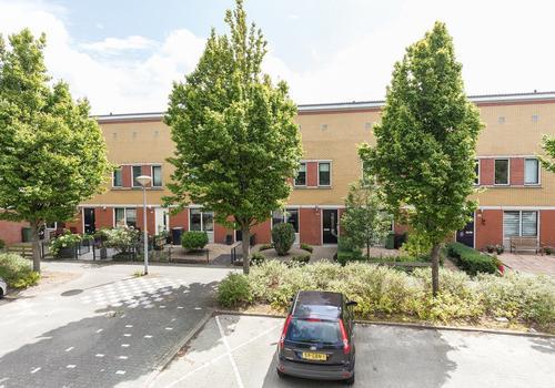 Cronenstein 28 in Nieuw-Vennep 2151 EN