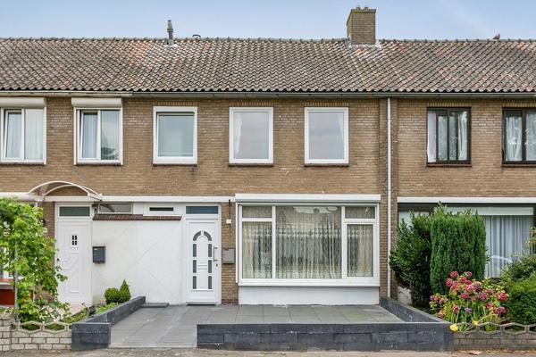 Anthonie Van Dijckstraat 11 in Roosendaal 4703 NA