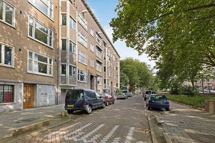 Admiraal De Ruijterweg 32 3 in Amsterdam 1056 GJ