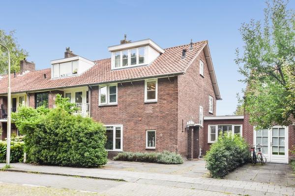 Mr. F.A. Van Hallweg 17 in Amstelveen 1181 ZT