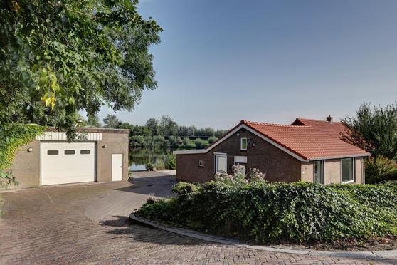 Zouwendijk 71 in Meerkerk 4231 CB