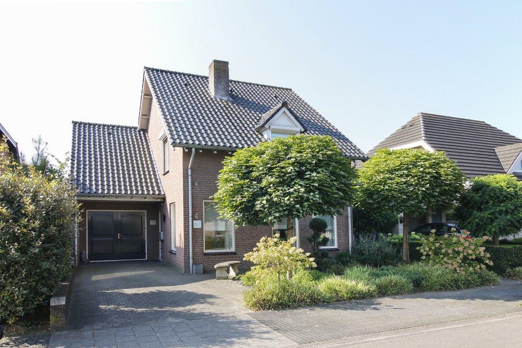 Buizerdstraat 4 in ospel 6035 gg: woonhuis. laenen makelaardij