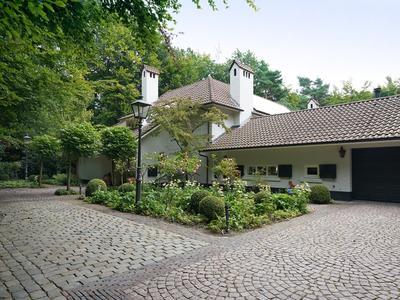 Moergestelseweg 111 in Oisterwijk 5062 SP