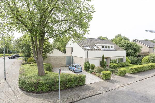 Weegbreestraat 2 in Nieuw-Vennep 2153 EC