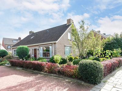 Henri Dunantstraat 18 in Staphorst 7951 BC
