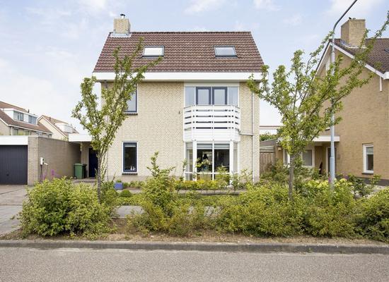 Korenbloem 29 in Zevenbergen 4761 WB
