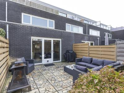 Laapersveld 16 in Nieuw-Vennep 2151 JH