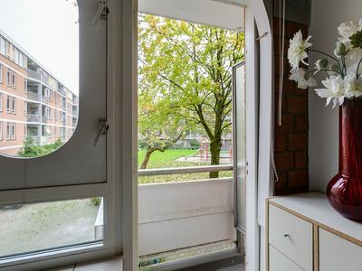 Haardstee 221 in Amsterdam 1102 NN