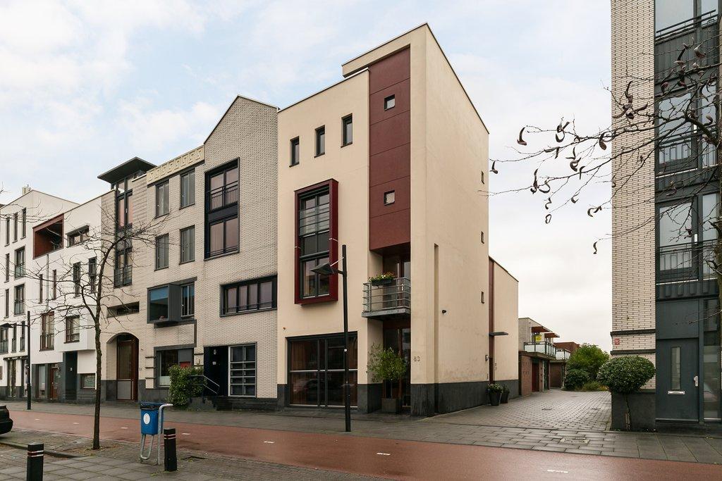 Avenue Carnisse 81 -83 in Barendrecht 2993 MB: Woonhuis. - RE/MAX ...