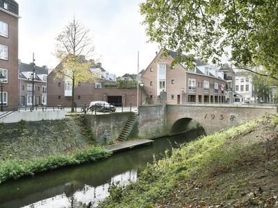 Water En Vuurplein 7 B in 'S-Hertogenbosch 5211 WS