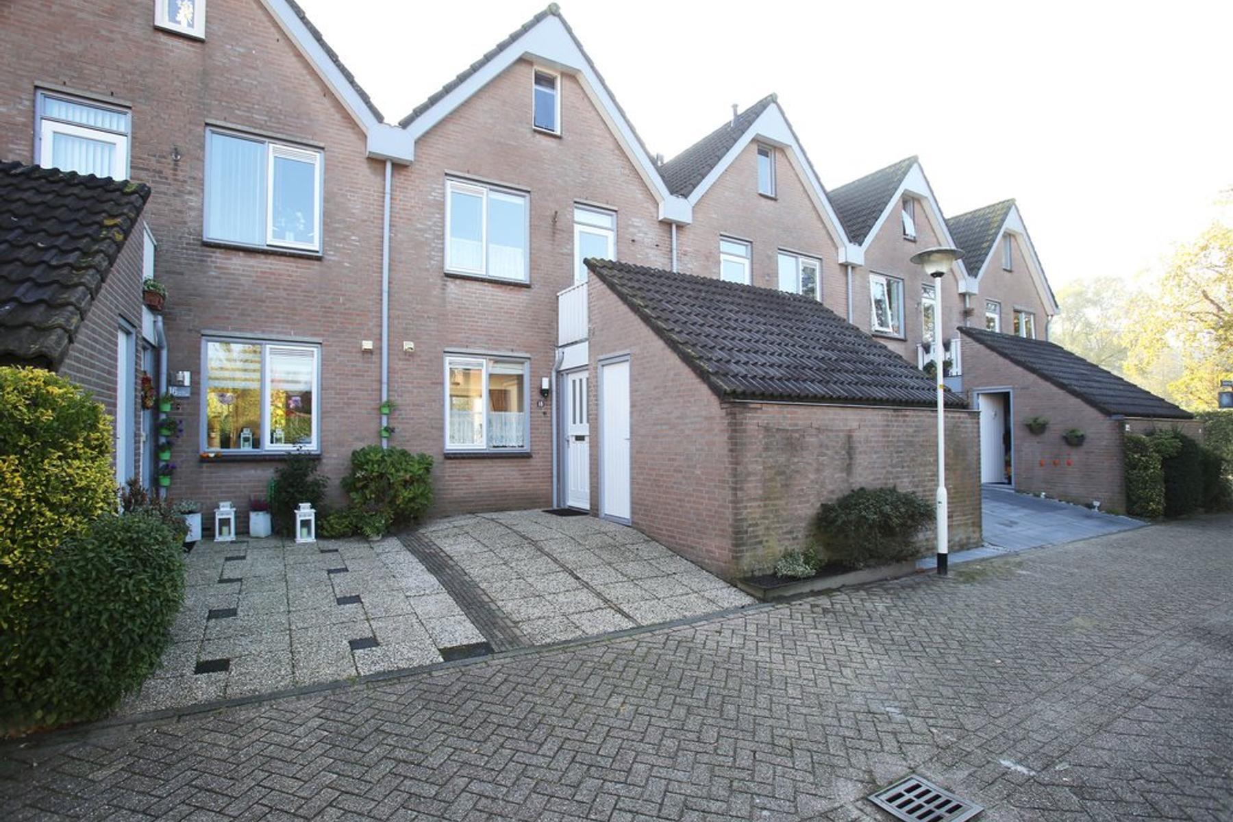Toscaschouw 18 in Zoetermeer 2726 JL