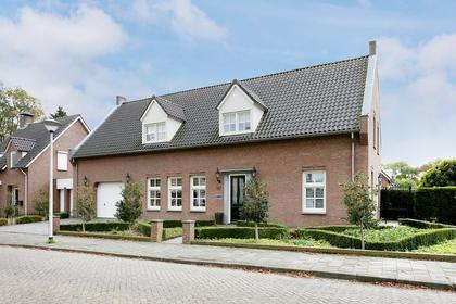 Pastoor Elsenstraat 50 in Helmond 5706 VP